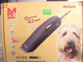 Hunde Trimm / Scher Maschine MOSER Profigerät 45 Watt 2 Gang   biete aus einer Erbschaft eine Hundetrimm Maschine   die Maschine ist im Gebrauchszustand . Die Maschine ist funktionstüchtig, ein kurzer Test an einem '' befreundetem Hund'', Jagdspaniel best