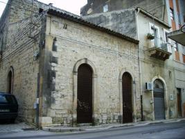 ITALIEN-SIZILIEN: ANTIKES GEBÄUDE IN SCICLI (RG) - UNWEIT STADTZENTRUM - ETWA 7 KM ZUM MEER -