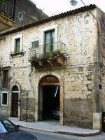 Foto 3 ITALIEN-SIZILIEN: ANTIKES GEBÄUDE IN SCICLI (RG) - UNWEIT STADTZENTRUM - ETWA 7 KM ZUM MEER -