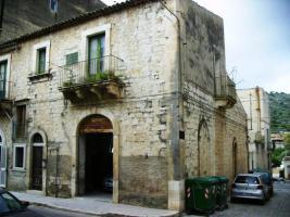 Foto 4 ITALIEN-SIZILIEN: ANTIKES GEBÄUDE IN SCICLI (RG) - UNWEIT STADTZENTRUM - ETWA 7 KM ZUM MEER -