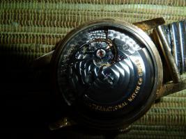 Foto 5 IWC Schaffhausen Herrenarmbanduhr Automatik Gold mit Datum Baujahr 1960