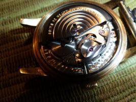 Foto 10 IWC Schaffhausen Herrenarmbanduhr Automatik Gold mit Datum Baujahr 1960