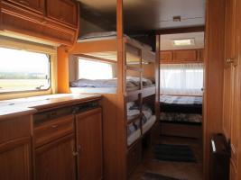 Etagenbett Umbau Wohnwagen : Idealer familienwohnwagen mit stockbetten und viel platz in bad