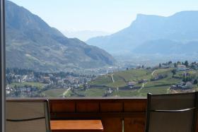 Foto 5 In Dorf Tirol - Urlaub bei Garni Sonnleiten