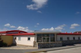 Foto 2 Infant & Junior School; Stanley