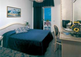 Foto 9 Italien-Adriaküste-Cesenatico-FamilienHotel-Ferienwohnung-Apartment-Zimmer-Meer-kinderfreundlich-