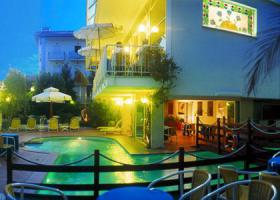 Foto 16 Italien-Adriaküste-Cesenatico-FamilienHotel-Ferienwohnung-Apartment-Zimmer-Meer-kinderfreundlich-