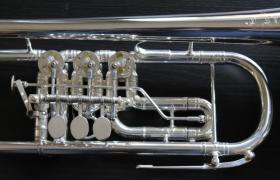 Foto 3 J. Scherzer Profiklasse Konzert -Trompete in B, Kölner Modell 8218 W versilbert