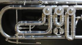 Foto 4 J. Scherzer Profiklasse Konzert -Trompete in B, Kölner Modell 8218 W versilbert