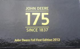 Foto 2 John Deere 175 Jahre Box 1 Gürtelschnalle 2 Münzen Fest Edition