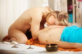 Foto 5 Julie liebt was sie tut.. und das spüren ihre Gäste! – sinnliche Massagen und Tantra Rituals