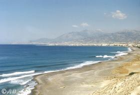 Am Strand können Sie bis Ierapetra wandern