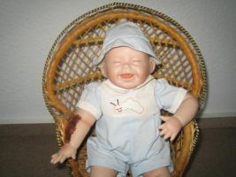 Kathy Hippensteel Künstlerpuppe ''Babypuppe mit Wurm''