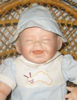 Foto 4 Kathy Hippensteel Künstlerpuppe ''Babypuppe mit Wurm''