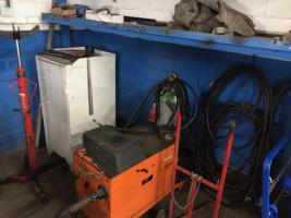 Kfz-Werkstatt-Auflösung/Restpostenverkauf/Ersatzteile, Werkzeuge, Div.