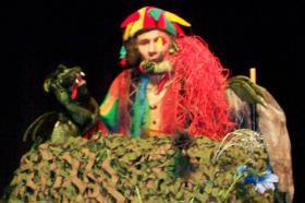 Foto 6 Kindertheater ''Der Weihnachtsdrache ist los''