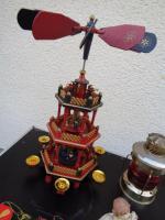 Foto 4 Kiste Weihnachtsdekoration Windpyramide+Spieluhr+ Elektrische Kerze u.v.m