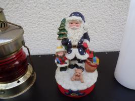 Foto 5 Kiste Weihnachtsdekoration Windpyramide+Spieluhr+ Elektrische Kerze u.v.m