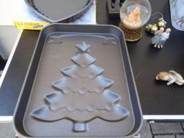 Foto 3 Kiste Weihnachtsdekoration + 1 Krippe mit Figuren + 1 Spieluhr u.v.m