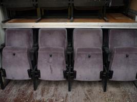 Komplette Theater-/Kinobestuhlung zu verkaufen