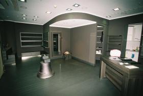 Komplette exclusive Ladeneinrichtung (50-70 qm) für elegante high-price-Ware NEU