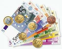 Kredit von Privat: Finden Sie schnell und unkompliziert bei auxmoney  einen Kredit von Privat!