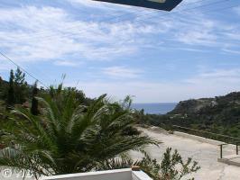 Kreta Villa Lemoni - Terrasse mit Blick in die Bucht Agia Fotia