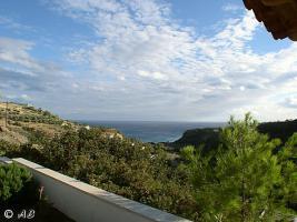 Blick über das Tal Agia Fotia bis zum Meer