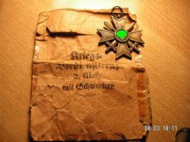 Kriegsverdienst Kreuz mit Verleihungstüte