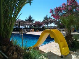 Kroatien Urlaub Appartement mit Pool am Badestrand