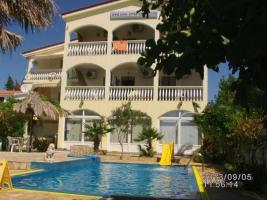Foto 3 Kroatien Urlaub Appartement mit Pool am Badestrand