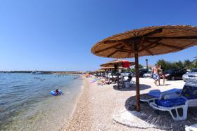 Foto 5 Kroatien Urlaub Appartement mit Pool am Badestrand