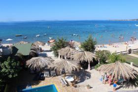 Foto 9 Kroatien Urlaub Appartement mit Pool am Badestrand