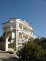 Kroatien insel Kaprije, Wohnungen-Unterkunft 12 Eur Pers/Strand+Liegenplatz fur Ihr Boot , Halbpension .