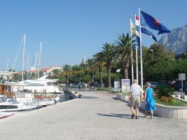Der Hafen im Zentrum Makarska...für schöne Spaziergänge..
