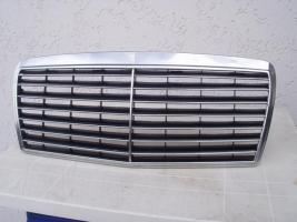 Kühlergrill, Chrom, Mercedes Benz W 124. Avantgarde