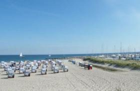Foto 7 Kühlungsborn Ferienwohnung Strandkorb Strandlage Ostsee Molli Fewo