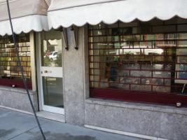 Foto 4 Laden mit Wohnung in Mailand zu verkaufen