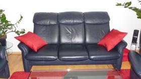 Foto 2 Ledergarnitur 3-er + 2-er +Sessel + Hocker