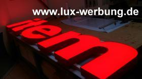 Foto 9 Leuchtreklame für Gewerbeimmobilien Werbekästen Leuchtkästen Leuchtschilder Leuchtbuchstaben Berlin 3D Plexibuchstaben mit LED Beleuchtung beleuchtete Einzelbuchstaben Schriftzüge Außenwerbung Lichtreklame Kassel
