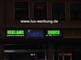 Foto 2 Leuchtreklame Leuchtwerbung Außenwerbung 3D LED Leuchtbuchstaben Einzelbuchstaben mit LED Beleuchtung Leuchtkästen Dibondkästen   Gewerbeimmobilien 3D LED RGB