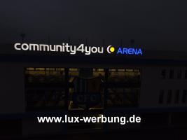 Foto 3 Leuchtreklame Leuchtwerbung Außenwerbung 3D LED Leuchtbuchstaben Einzelbuchstaben mit LED Beleuchtung Leuchtkästen Dibondkästen   Gewerbeimmobilien 3D LED RGB