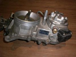 Foto 2 Luftmengenmesser+Mengenteiler mercedes W124 2,3-W201