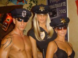 Foto 2 MEGA heiße Geburtstags Polizei Special Party Strip Shows Agentur für NUERNBERG bis STUTTGART Men Strip Stripper Girl Strip Stripperin BONNIE in NÜRNBERG STUTTGART Stripshows INGOLSTADT Party-Stripperin BAYERN