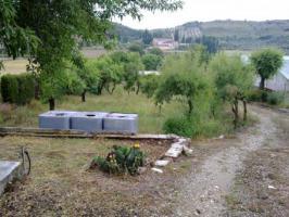 Madrid:Grundstück 3920qm, mit Landhäuschen