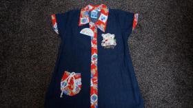 Mädchenkleid aus Jeansstoff, Gr. 98, Bärchen-Applikation, neu