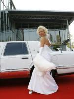 Marilyn Monroe Double zur 50er Jahre Party