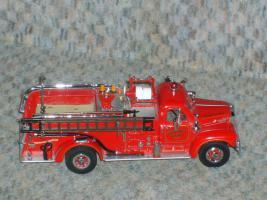 Matchbox Serie Yesteryear Feuerwehrauto YYM35810 Mack B95 Pumpwagen