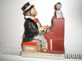 Foto 8 Melody in Motion Figuren aus Keramik