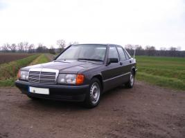 Foto 3 Mercedes Benz W201 190 E 1.8 Limousine Bornitmetallic Bj 07/92 95 tkm Modellpflege